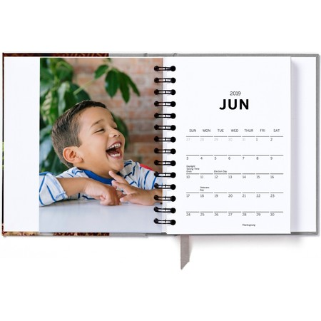 2019 Hardcover Photo Day Planner, Gray Month Detail