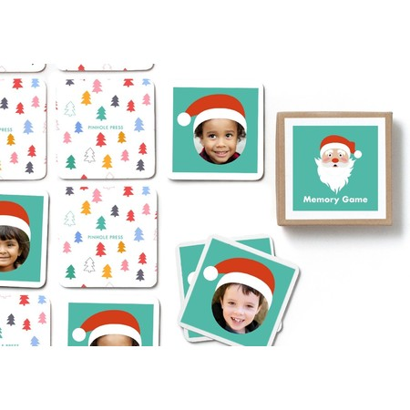 Santa Hat Photo Memory Game, Detail